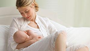 мама с младенцем