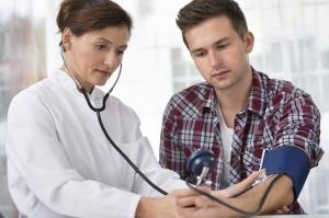 Артериальное давление 110 на 70: что это значит, болит голова, при беременности, что делать?
