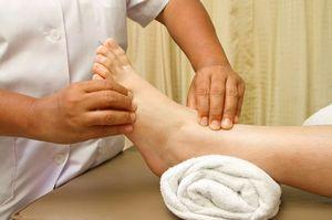 массаж парализованной ноги